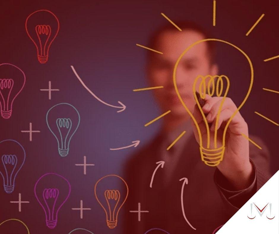 #pratodosverem: post: Como o MEI se aposenta? na foto um empreendedor desenvolvendo ideias. Cores na foto: azul, verde, amarelo, vermelho, laranja e preto.